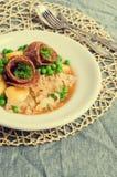 Σαλάμι με τα μαγειρευμένα λαχανικά Στοκ Φωτογραφία