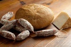 σαλάμι τυριών ψωμιού Στοκ Εικόνες