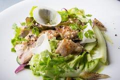 Σαλάτα κοτόπουλου με το μαρούλι, Στοκ εικόνα με δικαίωμα ελεύθερης χρήσης