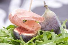 σαλάτα πυραύλων ζαμπόν σύκ&omega Στοκ Εικόνες