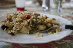 Σαλάτα ρυζιού σε ένα πιάτο Στοκ Φωτογραφία