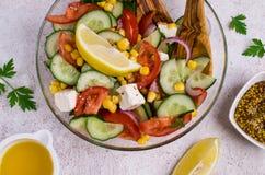 Σαλάτα των ακατέργαστων λαχανικών στο πετρέλαιο Στοκ εικόνες με δικαίωμα ελεύθερης χρήσης