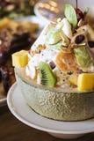 Σαλάτα φρούτων σε ένα όμορφο mellon στοκ εικόνες με δικαίωμα ελεύθερης χρήσης