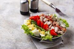 Σαλάτα Cobb, παραδοσιακά αμερικανικά τρόφιμα στοκ εικόνα με δικαίωμα ελεύθερης χρήσης
