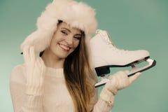 Σαλάχια πάγου εκμετάλλευσης γυναικών, χειμερινός αθλητισμός στοκ φωτογραφίες με δικαίωμα ελεύθερης χρήσης