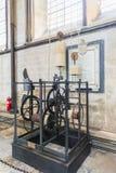 ΣΑΛΙΣΜΠΕΡΥ, UK - 17 ΑΥΓΟΎΣΤΟΥ: Το ρολόι καθεδρικών ναών του Σαλίσμπερυ είναι Στοκ Φωτογραφίες