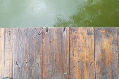 Σανίδα και ποταμός Στοκ Φωτογραφία