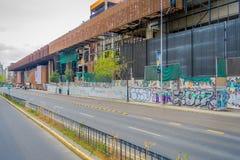 ΣΑΝΤΙΑΓΟ, ΧΙΛΗ - 16 ΟΚΤΩΒΡΊΟΥ 2018: Υπαίθρια άποψη της οικοδόμησης του μεταλλικού κτηρίου στην τιμή στη Gabriela Mistral μέσα στοκ εικόνα με δικαίωμα ελεύθερης χρήσης