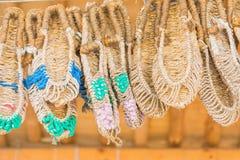 Σανδάλια που γίνονται με το χέρι, που χρησιμοποιεί το σίζαλ στο χωριό Namsangol Hanok, SE Στοκ Φωτογραφία