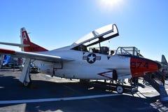 Σαν Ντιέγκο, Καλιφόρνια - ΗΠΑ - 04.2016 Δεκεμβρίου - αεροσκάφη 974 ευρισκόμενο στη μέση του δρόμου μουσείο USS Στοκ εικόνα με δικαίωμα ελεύθερης χρήσης