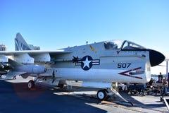 Σαν Ντιέγκο, Καλιφόρνια - ΗΠΑ - 04.2016 Δεκεμβρίου - αεροσκάφη 507 ευρισκόμενο στη μέση του δρόμου μουσείο Στοκ Εικόνα