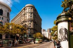 Σαν Φρανσίσκο κεντρικός, σκηνή οδών αγοράς στοκ εικόνες
