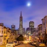 Σαν Φρανσίσκο τη νύχτα Στοκ εικόνες με δικαίωμα ελεύθερης χρήσης