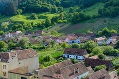Σαξονικό χωριό φοράδων Copsa με την ενισχυμένη εκκλησία του, κοντά σε Biertan, νομός του Sibiu, Τρανσυλβανία, Ρουμανία στοκ εικόνες
