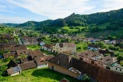 Σαξονικό χωριό φοράδων Copsa με την ενισχυμένη εκκλησία του, κοντά σε Biertan, νομός του Sibiu, Τρανσυλβανία, Ρουμανία στοκ εικόνες με δικαίωμα ελεύθερης χρήσης