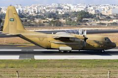 Σαουδαραβική Πολεμική Αεροπορία Hercules στην απογείωση Στοκ Εικόνα