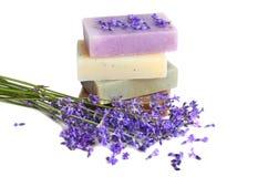 Σαπούνια και lavender Στοκ φωτογραφία με δικαίωμα ελεύθερης χρήσης