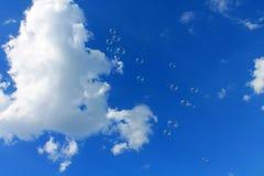 σαπούνι ουρανού φυσαλίδ&o Στοκ φωτογραφία με δικαίωμα ελεύθερης χρήσης