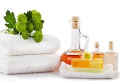 Σαπούνι, πετρέλαια και πετσέτες - μασάζ ή aromatherapy Στοκ εικόνα με δικαίωμα ελεύθερης χρήσης