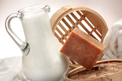 Σαπούνι που γίνεται χειροποίητο με το γάλα Στοκ Εικόνα
