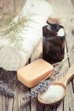 Σαπούνι Lavander Wooden Spa ρύθμιση Στοκ Φωτογραφίες