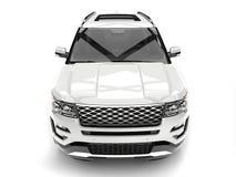 Σαφές άσπρο σύγχρονο SUV - πυροβολισμός κινηματογραφήσεων σε πρώτο πλάνο μπροστινής άποψης διανυσματική απεικόνιση