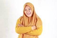 Σαφές έκπληκτο νέων όμορφων γυναικών χαμόγελου ασιατικών και συγκινημένη, στοκ φωτογραφία με δικαίωμα ελεύθερης χρήσης