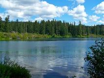 σαφής λίμνη Όρεγκον Στοκ Φωτογραφία