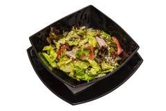 Σαλάτα από το κρέας με την πιπερόριζα λάχανων Στοκ φωτογραφία με δικαίωμα ελεύθερης χρήσης