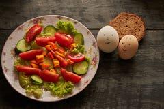 σαλάτα και αυγά smilies Στοκ Φωτογραφία