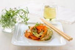 Σαλάτα κολοκυθιών με τα καρότα Στοκ Εικόνες