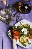 Σαλάτα κολοκυθιών με τις ντομάτες και το τυρί Στοκ Φωτογραφία
