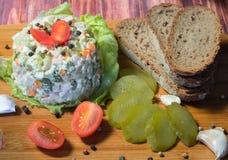 Σαλάτα με τη μαγιονέζα και τα λαχανικά Στοκ φωτογραφία με δικαίωμα ελεύθερης χρήσης