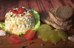 Σαλάτα με τη μαγιονέζα και τα λαχανικά Στοκ Εικόνες