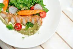 Σαλάτα με το σκουμπρί Στοκ Εικόνες