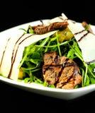 Σαλάτα με το arugula και το κρέας Στοκ Εικόνα
