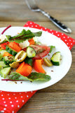 Σαλάτα με φέτα και τις ελιές Στοκ Εικόνες