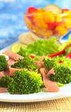 Σαλάτα μπρόκολου και ζαμπόν Στοκ εικόνα με δικαίωμα ελεύθερης χρήσης