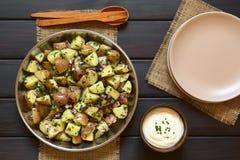 Σαλάτα πατατών με την ξινή κρέμα Στοκ Εικόνες