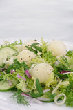 Σαλάτα πεπονιών με το arugula και το αγγούρι Στοκ εικόνα με δικαίωμα ελεύθερης χρήσης