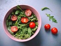 Σαλάτα του φρέσκου arugula Στοκ φωτογραφία με δικαίωμα ελεύθερης χρήσης