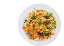 Σαλάτα φρέσκων λαχανικών με το αγγούρι και το καρότο Τοπ όψη απομονωμένος Στοκ εικόνα με δικαίωμα ελεύθερης χρήσης