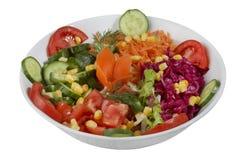 Σαλάτα φρέσκων λαχανικών που απομονώνεται σε ένα άσπρο υπόβαθρο στοκ εικόνα με δικαίωμα ελεύθερης χρήσης