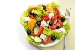 Σαλάτα φρέσκων λαχανικών στο άσπρο υπόβαθρο Στοκ Εικόνες