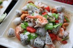 Σαλάτα φρούτων δράκων με τις γαρίδες Στοκ Εικόνες