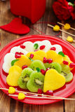 Σαλάτα φρούτων υπό μορφή καρδιών Στοκ φωτογραφία με δικαίωμα ελεύθερης χρήσης