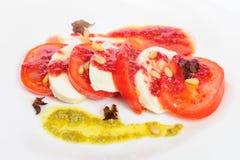 Σαλάτα antipasto Caprese με το τυρί mozarella Στοκ φωτογραφία με δικαίωμα ελεύθερης χρήσης
