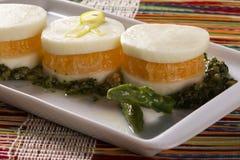 Σαλάτα Caprese με tangerine και το σπαράγγι Στοκ εικόνες με δικαίωμα ελεύθερης χρήσης
