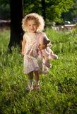 σγουρό γλυκό κοριτσιών στοκ εικόνα με δικαίωμα ελεύθερης χρήσης
