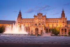 Σεβίλη, Ανδαλουσία, Ισπανία - Plaza της Ισπανίας στη Σεβίλη τή νύχτα Στοκ Εικόνα